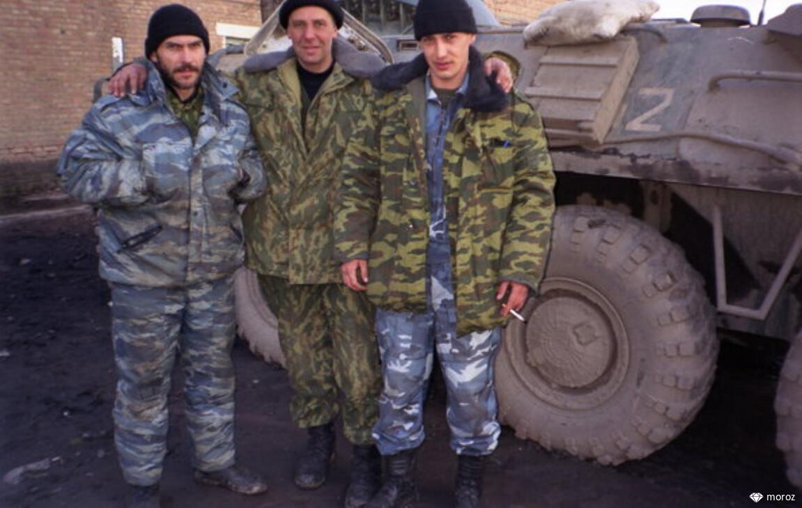 Герой России Евгений Остроухов, запечатленного на фото с Борисом Николаевичем Ельциным